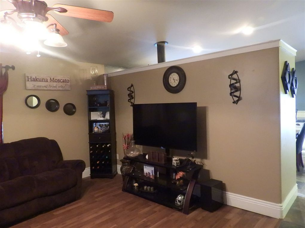 Bad Listing photo of family room